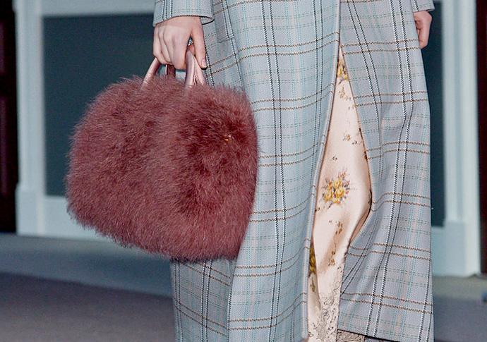 Louis-Vuitton-fall-winter-2013-2014-Fur-Handbag