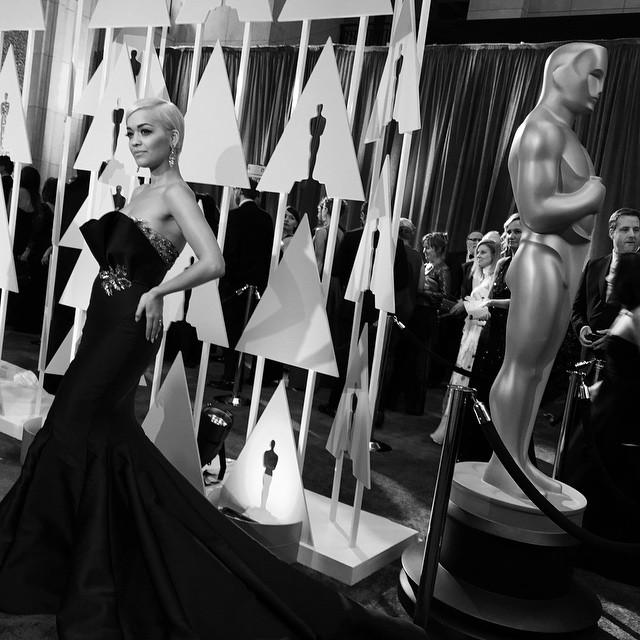 28-oscars-academy-awards-instagrams-ritaora-11