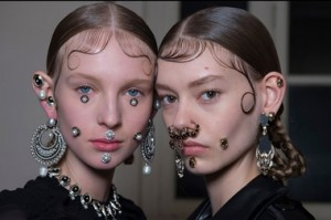 EARRINGS Details at Givenchy FW15