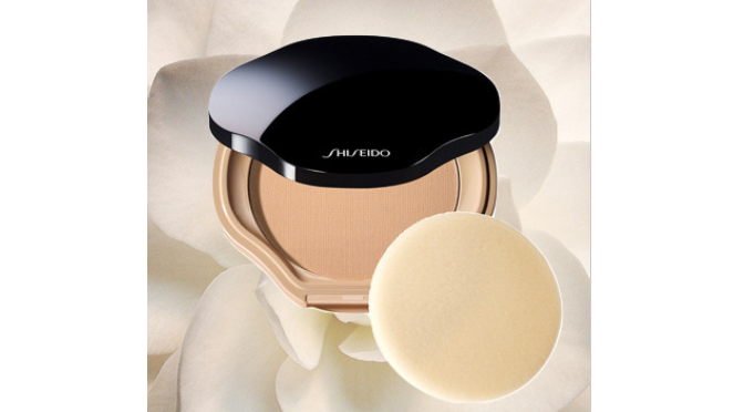 Sheer and Perfect Compact Foundation SPF 21 Additional Information Description: