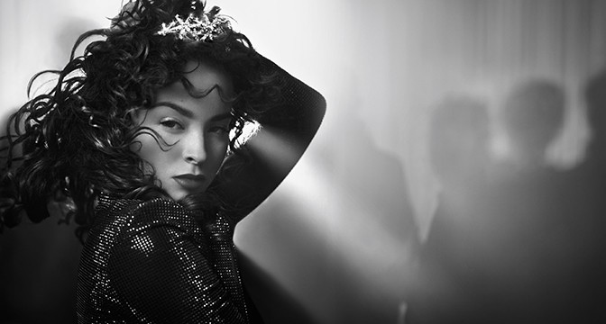 BEAUTY DIARIES BY BEAUTY LINE - ELLA EYRE FOR ARMANI