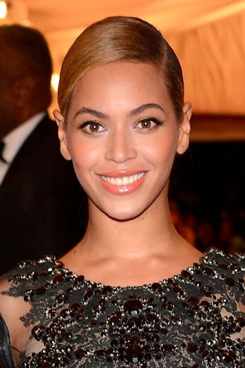 BEYONCE - 2012 MET COSTUME INSTITUTE GALA